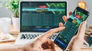 پیش بینی فوتبال با موبایل و لپتاپ